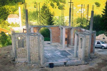 Зидање Храма Свете Петке у Мочиоцима